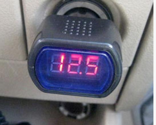 测电压.png
