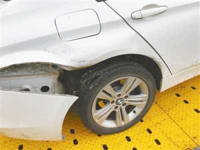 防爆轮胎爆裂 宁波高速上一宝马车失控撞上护栏 转贴:汽车相关